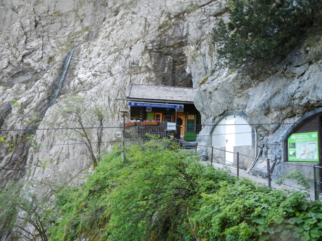Die Höllentaleingangshütte am Eingang der Höllentalklamm
