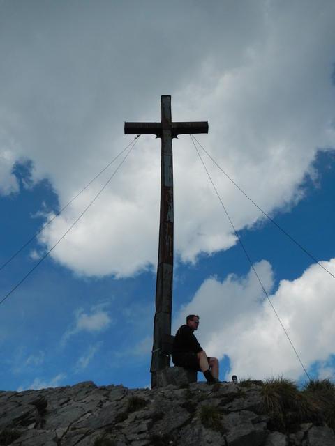 Das Gipfelkreuz der Hohen Kisten (1922m).
