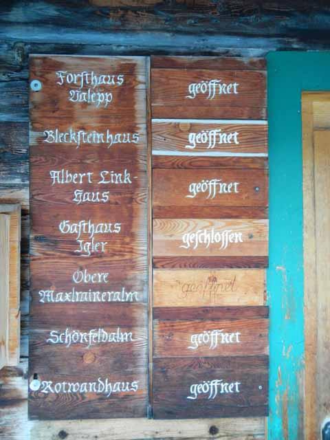Holztafel Hüttenstatus